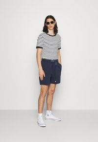 Tommy Jeans - BELTED BEACH  - Shorts - blue - 1