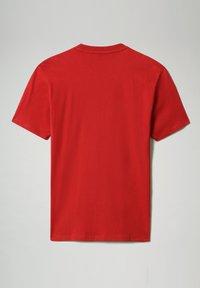 Napapijri - S-ICE SS - Print T-shirt - old red - 4