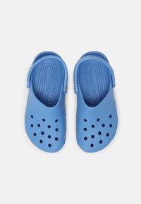 Crocs - CLASSIC - Mules - powder blue - 5