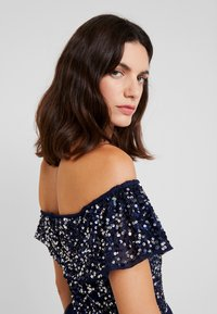 Maya Deluxe - ALL OVER EMBELLISHED TIERED BARDOT MIDAXI DRESS - Occasion wear - navy - 4