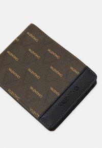 Valentino Bags - LIUTO WALLET - Wallet - brown - 3