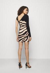 Just Cavalli - Žerzejové šaty - pink variant - 2