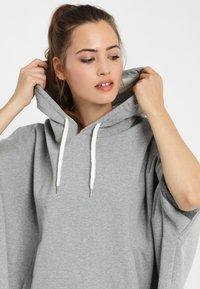 PONCHO COMPANY - Hoodie - light grey - 2