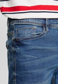 Blend - Shorts di jeans - denim middle blue - 3