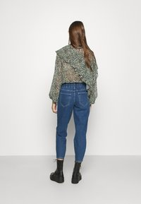 ONLY - ONLLU LIFE - Jeans baggy - medium blue denim - 2