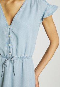 GAP - DRESS - Vestido vaquero - blue chambray - 4