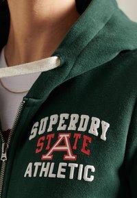 Superdry - COLLEGIATE ATHLETIC  - Zip-up sweatshirt - enamel green - 1