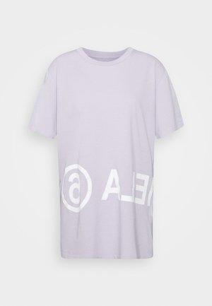 T-shirt z nadrukiem - lilac
