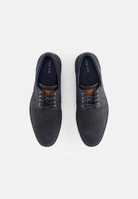 Pier One - Zapatos con cordones - dark blue - 3