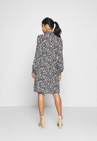 Wallis Petite - DAISY DITZY SHIRRED CUFFING SWING DRESS - Jersey dress - black - 2
