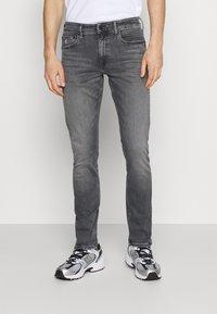 Calvin Klein Jeans - SLIM FIT - Slim fit jeans - denim grey - 0