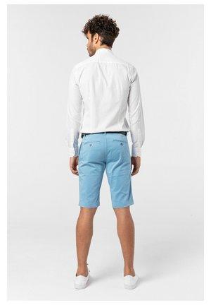 SALVATORES - Shorts - hellblau