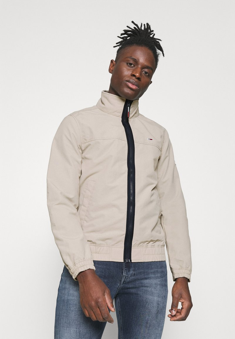 Tommy Jeans - ESSENTIAL CASUAL  - Tunn jacka - beige