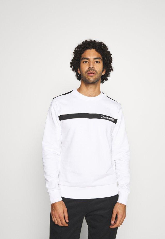 BOLD STRIPE LOGO  - Sweatshirt - white