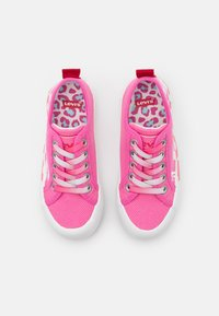 Levi's® - NEW BETTY - Baskets basses - pink - 3