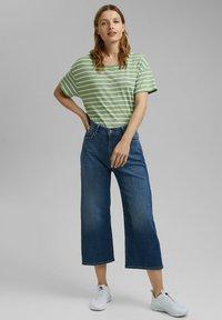 Esprit - Print T-shirt - leaf green - 1