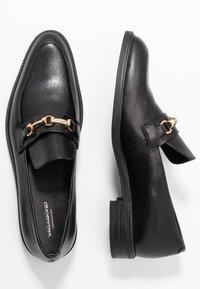 Vagabond - FRANCES - Slippers - black - 3