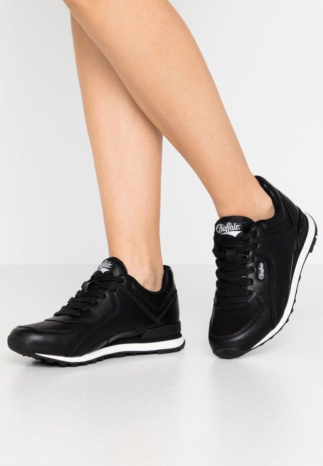 LOKE - Sneakers laag - black