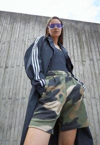 adidas Originals - ADICOLOR - Top - black - 2