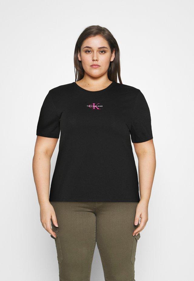 MONOGRAM LOGO TEE - T-shirt basic - black/party pink