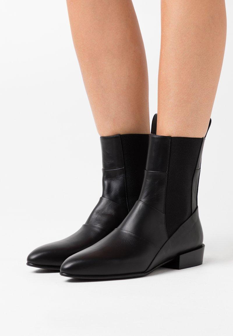 3.1 Phillip Lim - DREE BOOTIE - Kotníkové boty - black