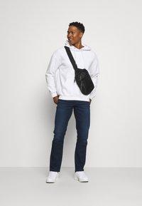 Lee - BROOKLYN STRAIGHT - Jeans straight leg - clean dark ray - 1