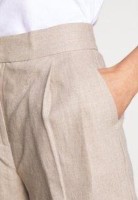 MICHAEL Michael Kors - PLEATED - Shorts - beige - 6