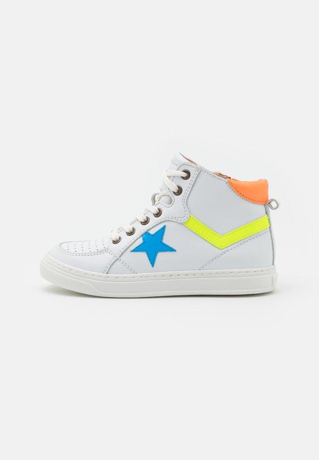 ISAK - Sneakers hoog - white/orange
