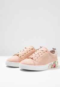 Ted Baker - ROULLYS - Trainers - nude/mint choc chip - 4