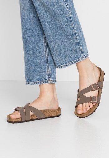 YAO - Domácí obuv - mocha