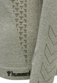 Hummel - HMLCI SEAMLESS  - Long sleeved top - vetiver melange - 4