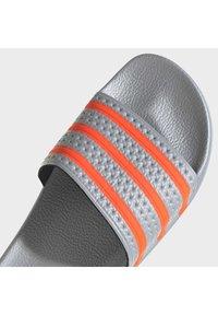 adidas Originals - ADILETTE UNISEX - Mules - halo silver/solar red/solar red - 9