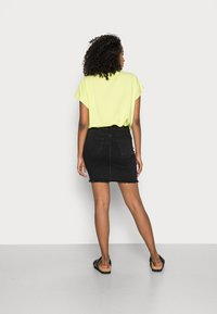 Pieces - PCAIA SKIRT  - Pencil skirt - black denim - 2