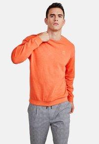 NEW IN TOWN - LONGSLEEVE - Sweater - orange - 0