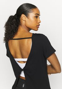 Cotton On Body - LONGLINE OPEN BACK - Camiseta básica - black - 3