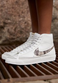 Nike Sportswear - BLAZER MID '77 - High-top trainers - sail/particle beige - 2