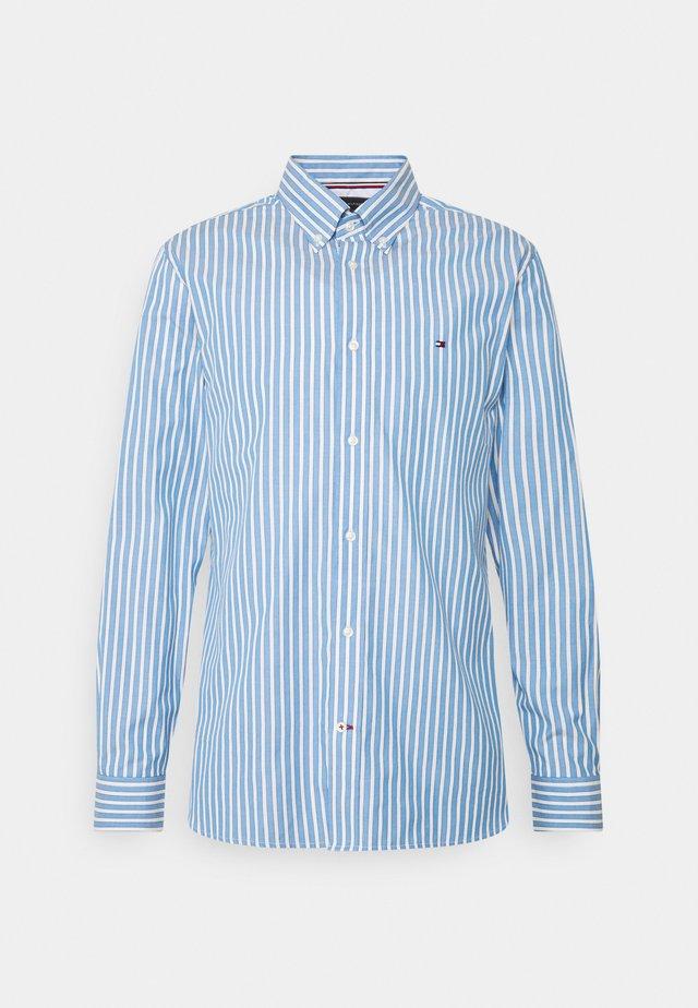 BOLD STRIPE REGULAR FIT - Skjorte - copenhagen blue/ivory /yale navy