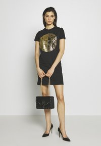 Versace Jeans Couture - STUDDED SHOULDER BAG - Borsa a tracolla - black - 1