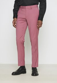 Isaac Dewhirst - Costume - pink - 4