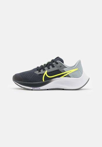 AIR ZOOM PEGASUS 38 UNISEX - Competition running shoes - dark smoke grey/volt/smoke grey/light smoke grey