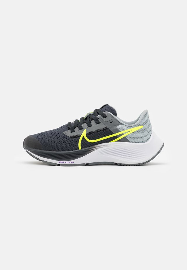 AIR ZOOM PEGASUS 38 UNISEX - Competition running shoes - dark smoke grey/volt/smoke grey/light smoke grey