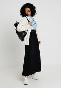 Vero Moda - VMBEAUTY  - Pleated skirt - black - 2