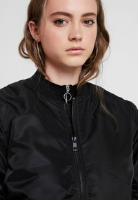 ONLY - ONLVITO THERESE JACKET - Bomber bunda - black - 5