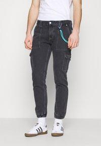 Tommy Jeans - SCANTON CARGO - Jeans straight leg - save black rigid - 0