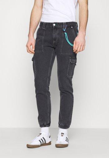SCANTON CARGO - Jeans straight leg - save black rigid
