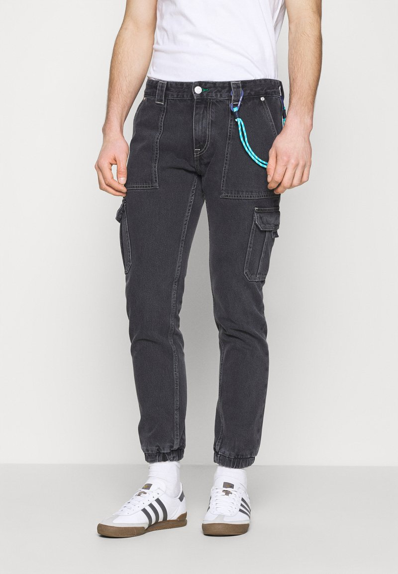Tommy Jeans - SCANTON CARGO - Jeans straight leg - save black rigid