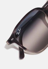 Ray-Ban - Sunglasses - gradient grey havana - 3