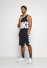 Nike Performance - Sportovní kraťasy - black/white - 1