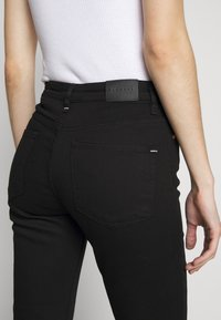BLANCHE - RAE TRUE - Jeans slim fit - black - 5