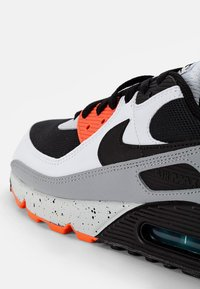 Nike Sportswear - AIR MAX - Zapatillas - white/black-turf orange-aquamarine-pure platinum-lotus pink - 5